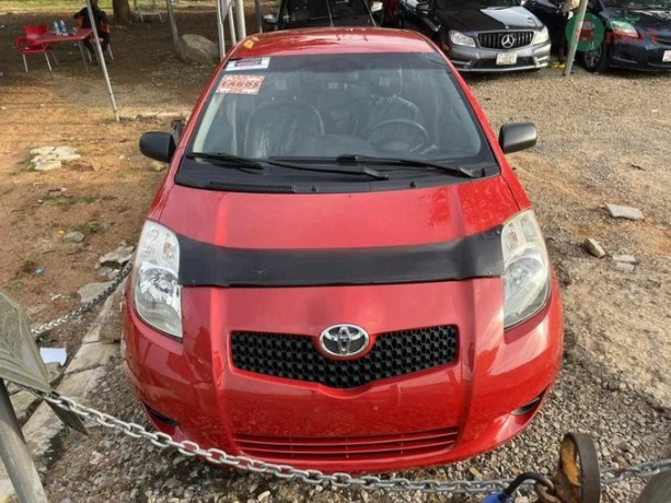 foreign-used-toyota-yaris-2010-big-0