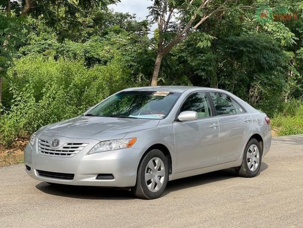 foreign-used-toyota-camry-2008-big-1