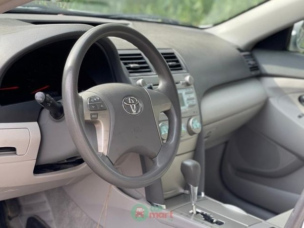 foreign-used-toyota-camry-2008-big-3