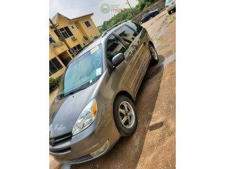 2006 Foreign used Toyota Sienna LE