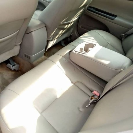 2006-toyota-camry-big-for-nothing-big-3