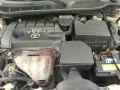 2010-toyota-camry-small-4