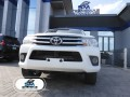 2016-toyota-hilux-small-0