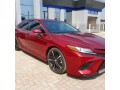 2018-toyota-camry-xse-small-1