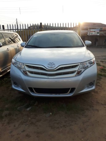 foreign-used-2012-toyota-venza-big-0