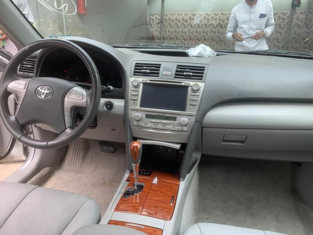 2010-foreign-used-toyota-camry-xle-big-1