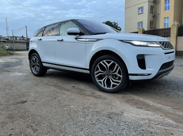 range-rover-evoque-2020-big-0