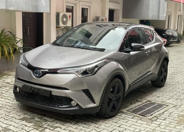 tokunbo-2018-toyota-chr-hybrid-big-0