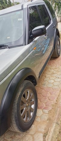 neatly-used-2006-land-rover-lr3-big-3