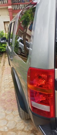 neatly-used-2006-land-rover-lr3-big-4