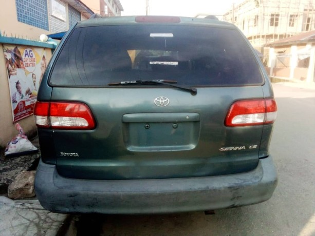 foreign-used-2002-toyota-sienna-big-1