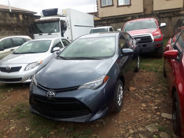 foreign-used-2017-toyota-corolla-big-0