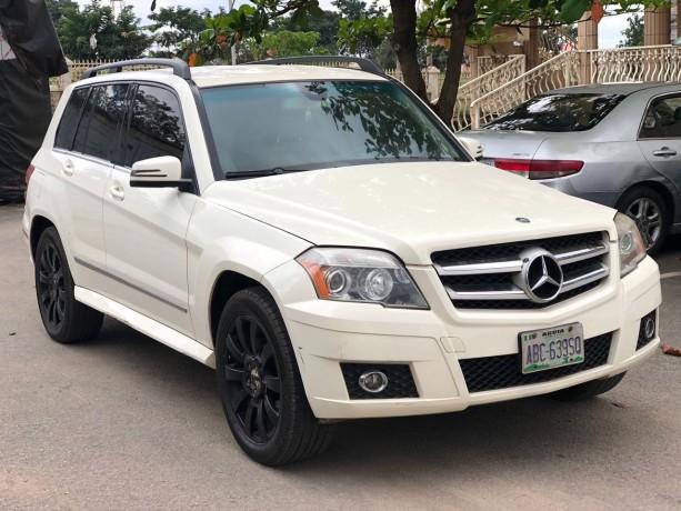 2010-mercedes-benz-glk-350-big-0
