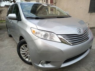 2011 Foreign Used Toyota Sienna XLE