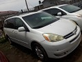 foreign-used-2005-toyota-sienna-small-3