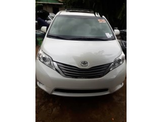 Foreign Used 2016 Toyota Sienna XLE