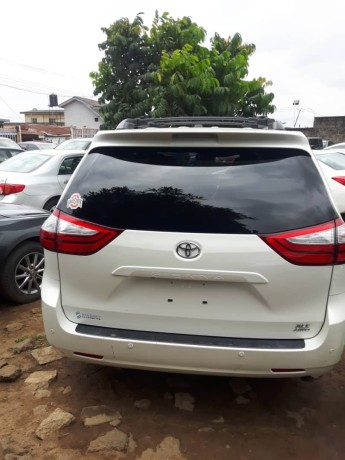 foreign-used-2016-toyota-sienna-xle-big-1