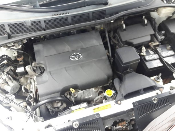 foreign-used-2016-toyota-sienna-xle-big-3