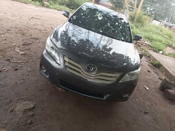 foreign-used-toyota-camry-2011-big-0