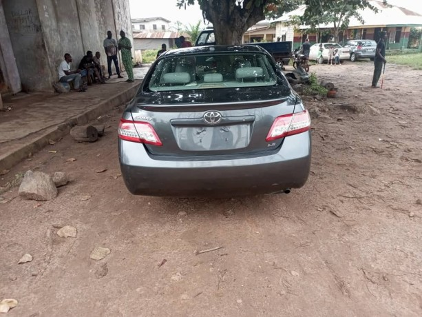 foreign-used-toyota-camry-2011-big-1