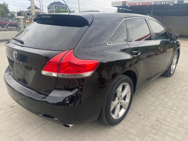 pre-owned-2011-toyota-venza-big-4