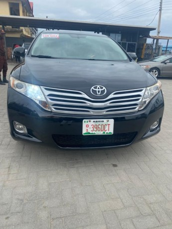 pre-owned-2011-toyota-venza-big-0
