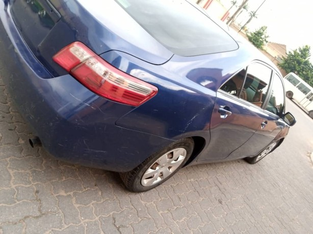 clean-2008-toyota-camry-big-4