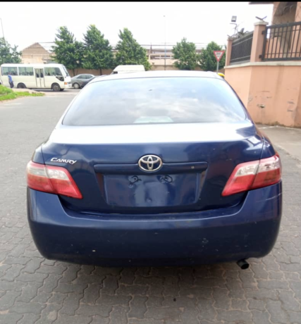 clean-2008-toyota-camry-big-1