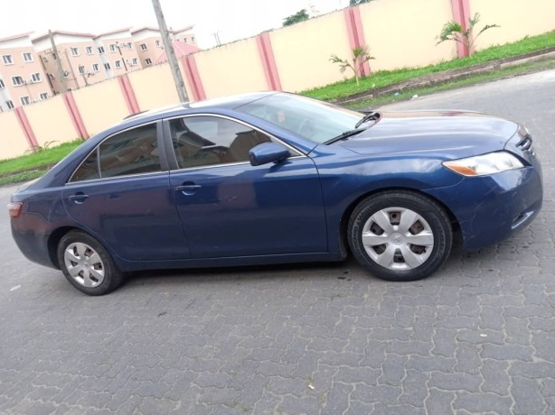clean-2008-toyota-camry-big-2