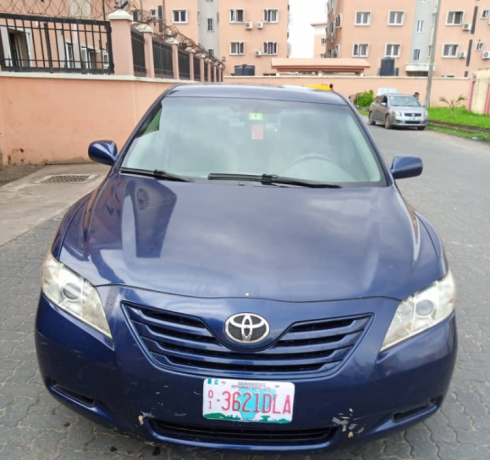 clean-2008-toyota-camry-big-0