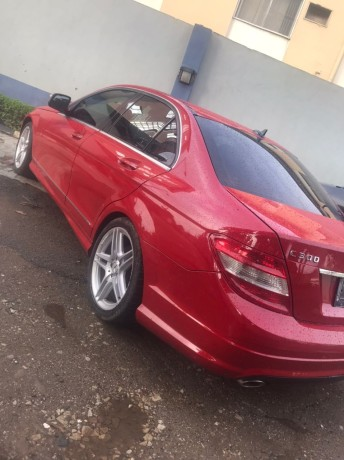 2009-foreign-used-mercedes-benz-c300-big-3