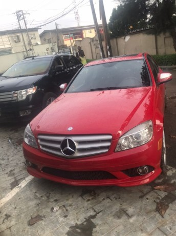 2009-foreign-used-mercedes-benz-c300-big-0