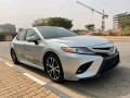 2020-toyota-camry-small-0