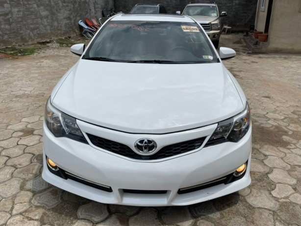 2012-foreign-used-toyota-camry-sport-se-big-0